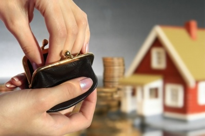 If you default on your FHA-insured mortgage loan, you might be able to benefit from something called a HUD partial claim payment to avoid foreclosure.