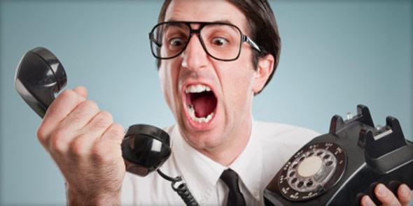 Guy-yelling-at-phone